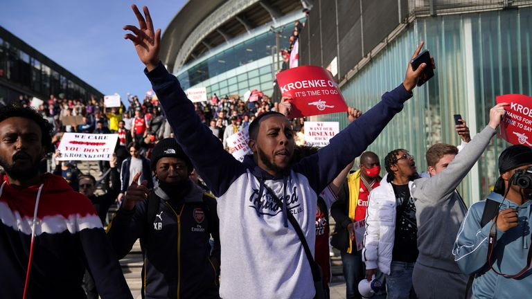 arsenal supporters protest against stan kroenke outside the emirates