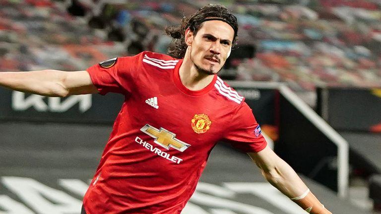 edinson cavani celebrates after scoring manchester united's second goal against roma